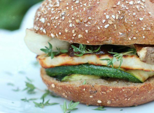 Vegetarischer Bio-Halloumi-Burger